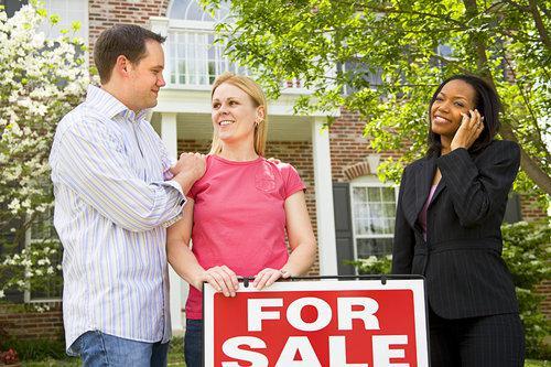 home-features-survey-single-men-women-married-couples-unmarried-closets-appliances-single-level-ceilings